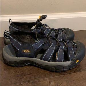 KEEN sandal size 7 blue